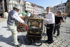 Barrel organ players played during the International Meeting of barrel organ players