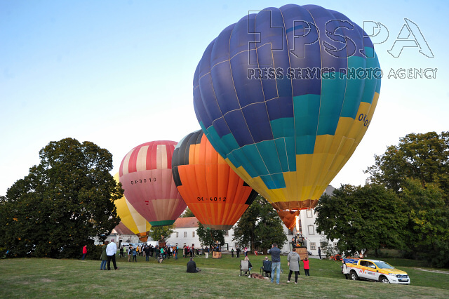 Kubicek Balloons Factory presents first balloons