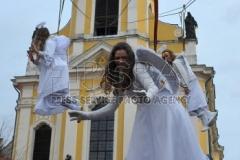 Slet andělů z věže kostela sv.Pavla a sv.Petra